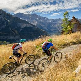 Mountain bike tours in the Hautes Pyrenees